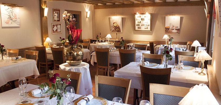 Restaurant gastronomique le dauphin le breuil en auge - Restaurant la table des delices grignan ...
